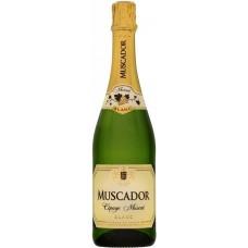 """Вино игристое """"Мускадор"""" белое сладкое 11,5% 0,75"""
